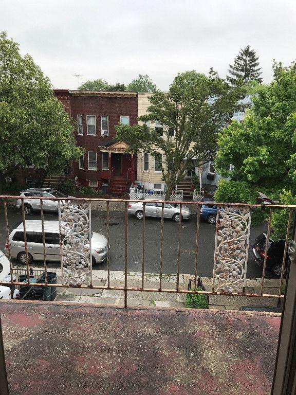 104 East 2nd Street,Brooklyn,Kings,New York,United States 11218,3 Bedrooms Bedrooms,1 BathroomBathrooms,Apartment,East 2nd Street,1081