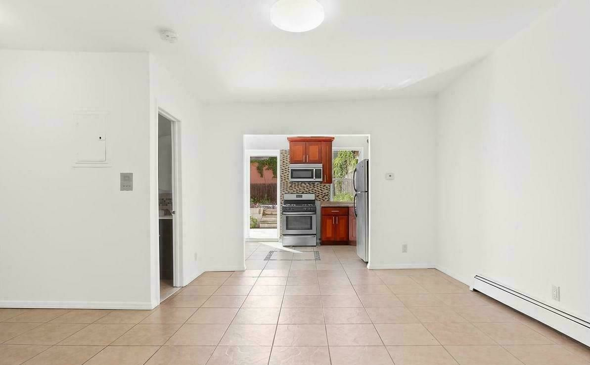 38-57 9th Street, Long Island City, queens, New York, United States 11101, ,House,For sale,9th Street,1121